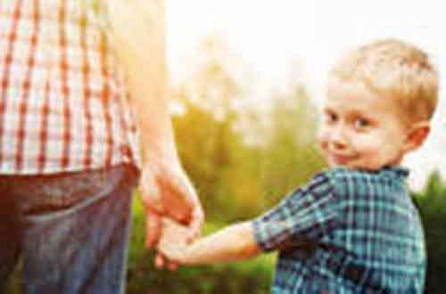 Kiat Mencegah Anak Hilang di Keramaian